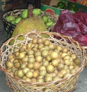 Lupon outdoor market - jackfruit and chiko