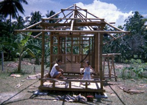 Robert and Dianne get to work on a bahay kubo