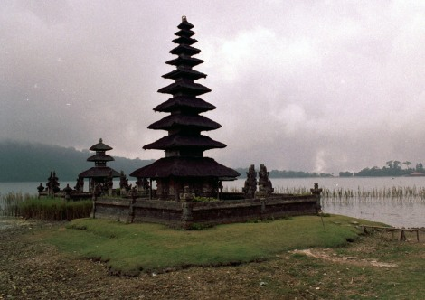 A pagoda at Lake Bratan in the centre of Bali