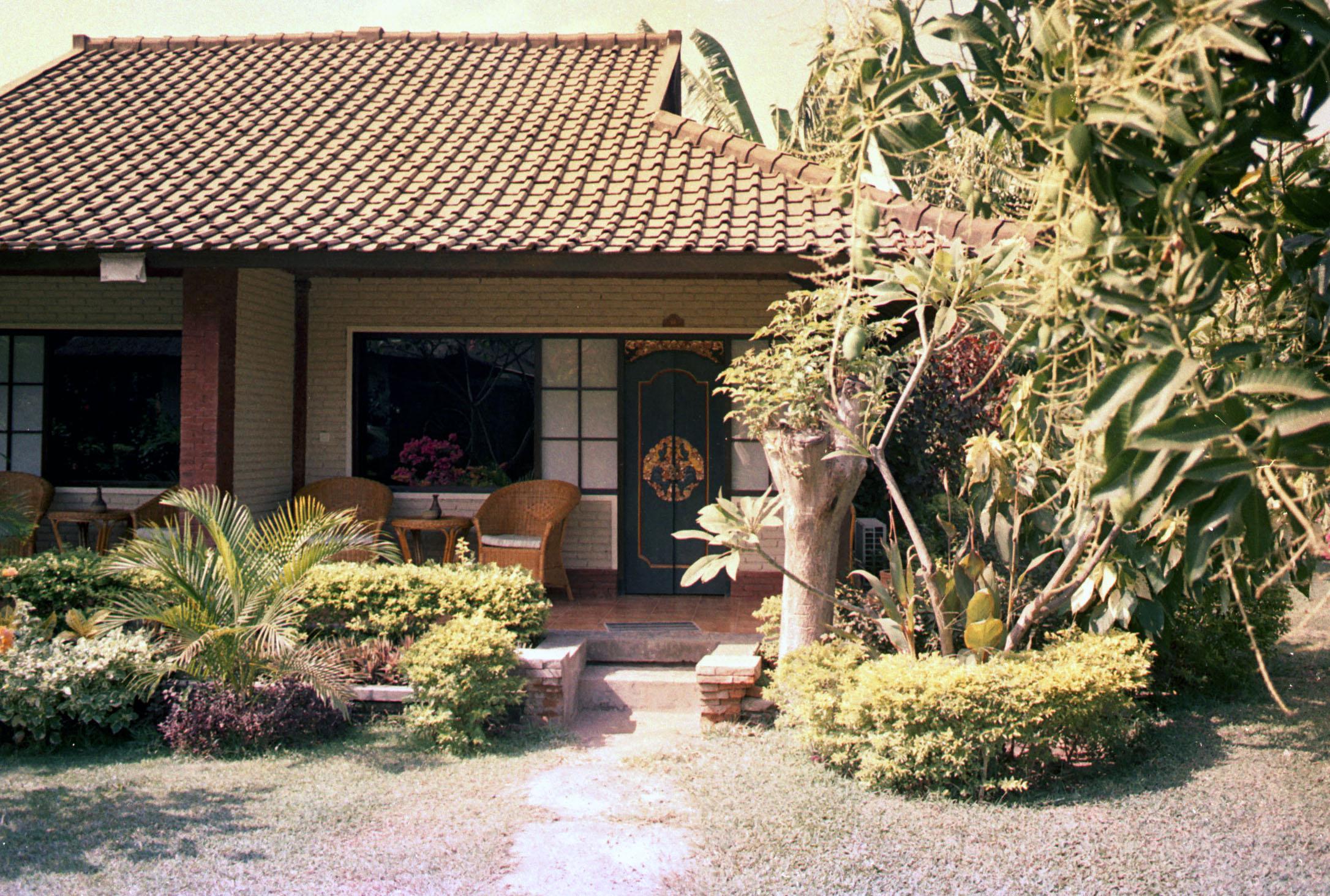Modern nipa hut design joy studio design gallery best for Modern nipa hut house design