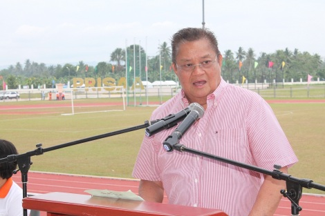 Gov. Rodolfo del Rosario heralds the success of the 2014 National Private Schools Athletic Association (PRISAA) Games held mainly at the Davao del Norte Sports and Tourism Complex in Tagum City. nobags