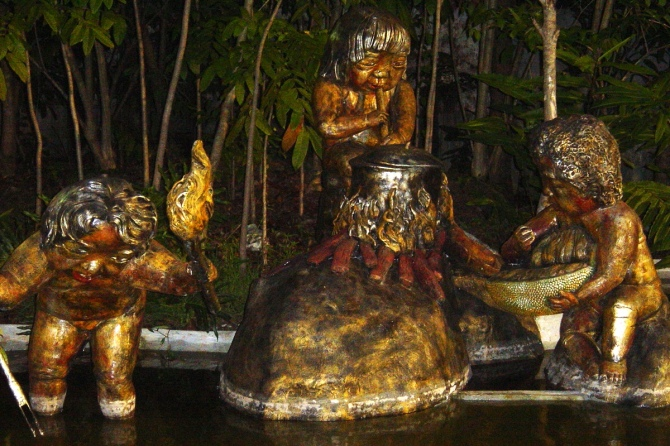 Many of the sculptures in the People's Park show the different native tribes of the Davao Gulf region